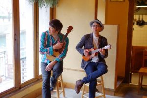ukulele-jazz-duo1-at-rigat